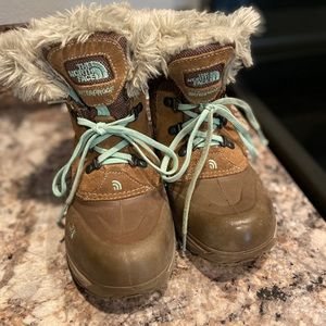 Youth girls north face winter boots